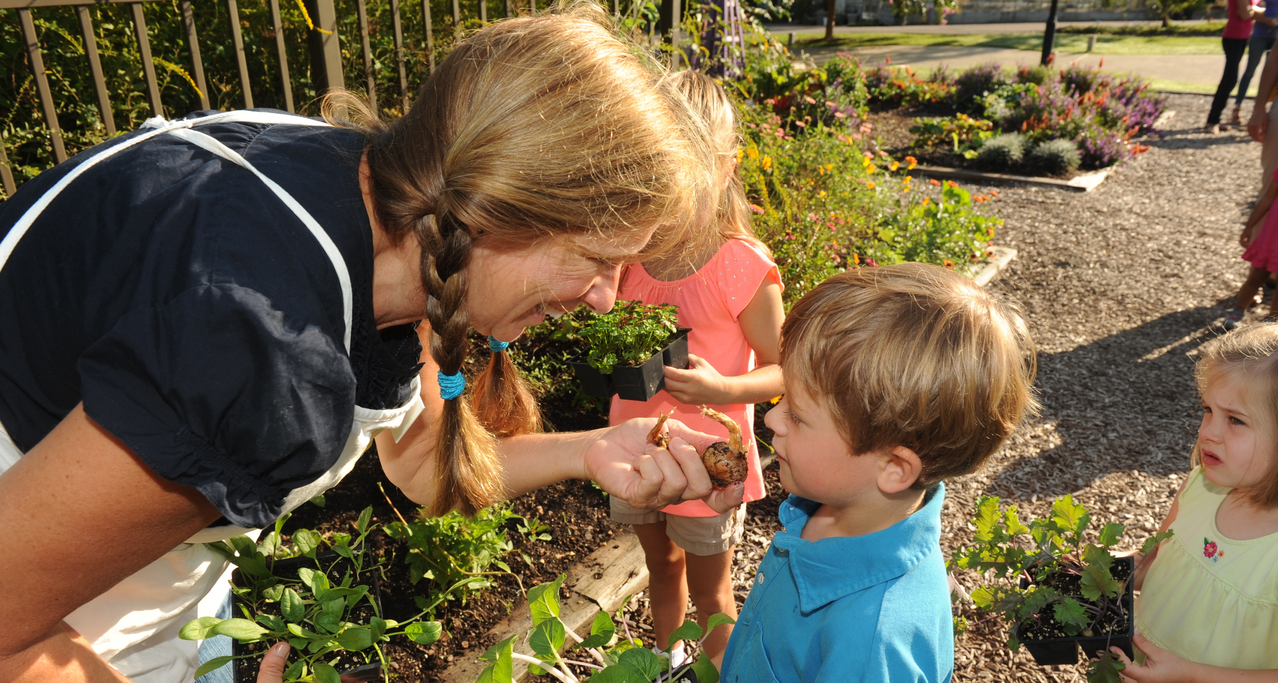 Drop-in and Dig in the Children\'s Garden at Lewis Ginter
