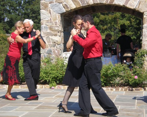 A Tango in the rose garden during Rose Fest