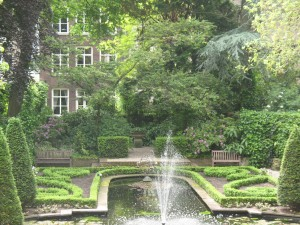 A fabulous Holland garden