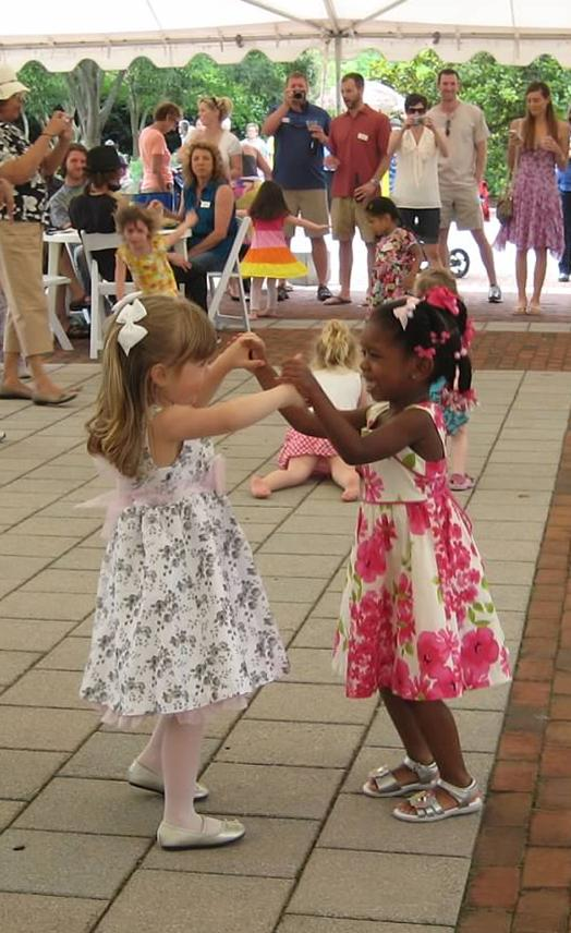 2012 Mothers Day Dancing under the tent at Bloemendaal