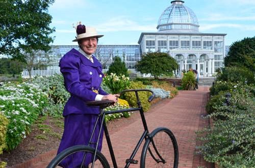 Volunteer in ladies cycling costume