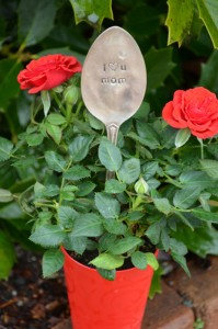 I-love-you-mom-spoon-marker-400