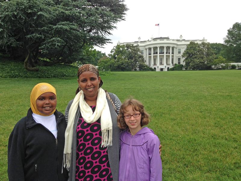 Amina, Isnina and Lilah on White House Lawn