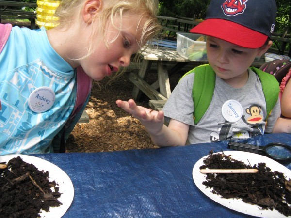 Wonderful worms at work! Campers sift through compost to discover more about our favorite underground gardeners.