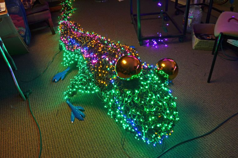 chameleon made from lights for Dominion GardenFest of Lights
