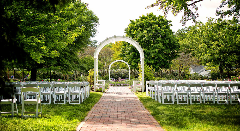 The magic of a garden wedding lewis ginter botanical garden Lewis ginter botanical gardens