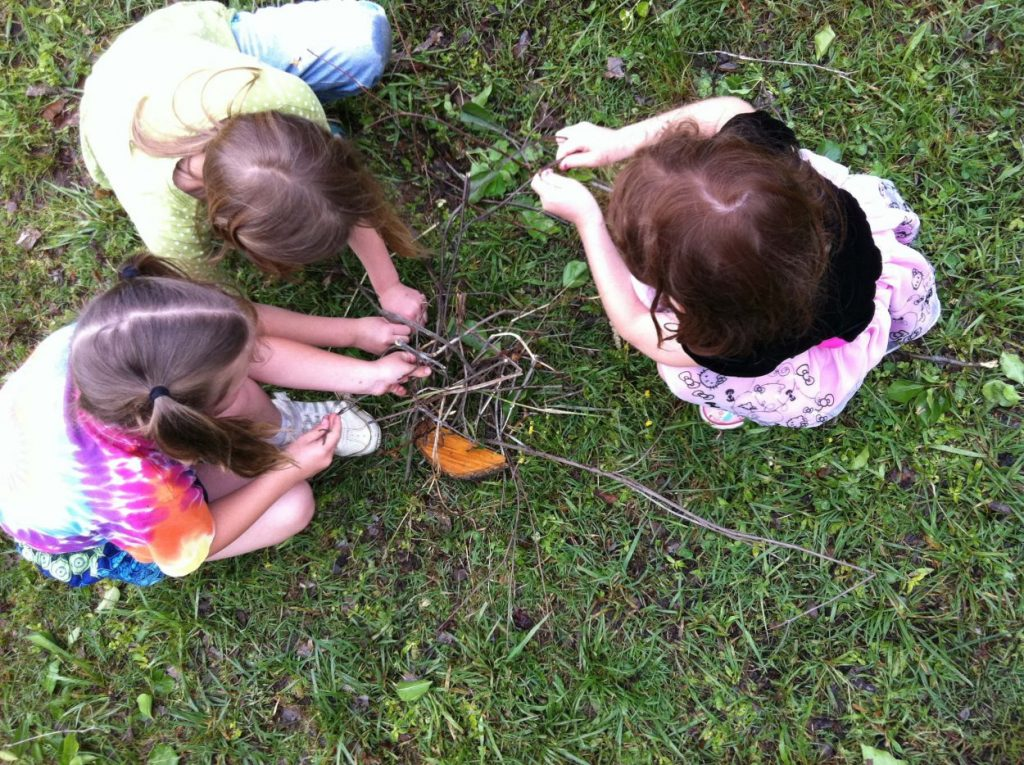 Kids making wild art