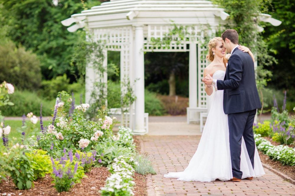 Outdoor weddings at Bloemendaal House feature beautiful blooms and a romantic setting. Image by Allison Maxwell Photography.