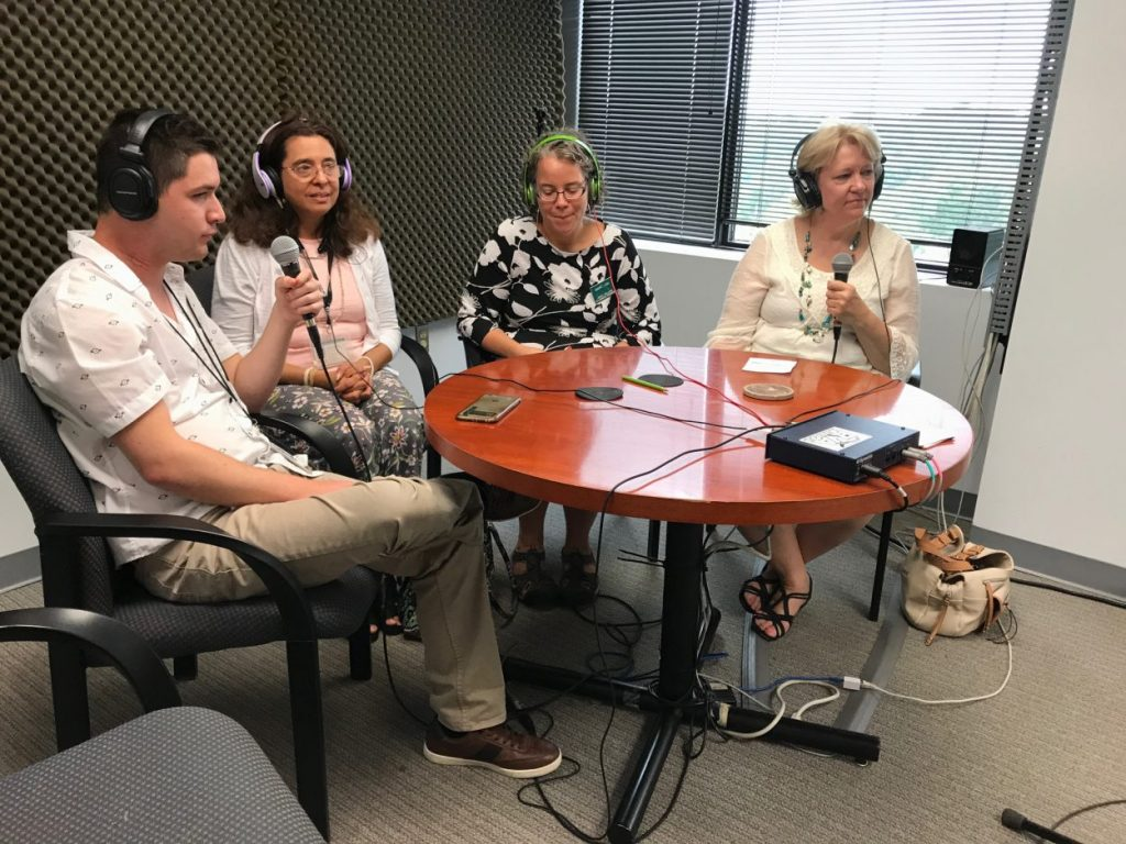 """David live on Radio Poder """"Enfoque a la Comunidad"""" their community focus show."""