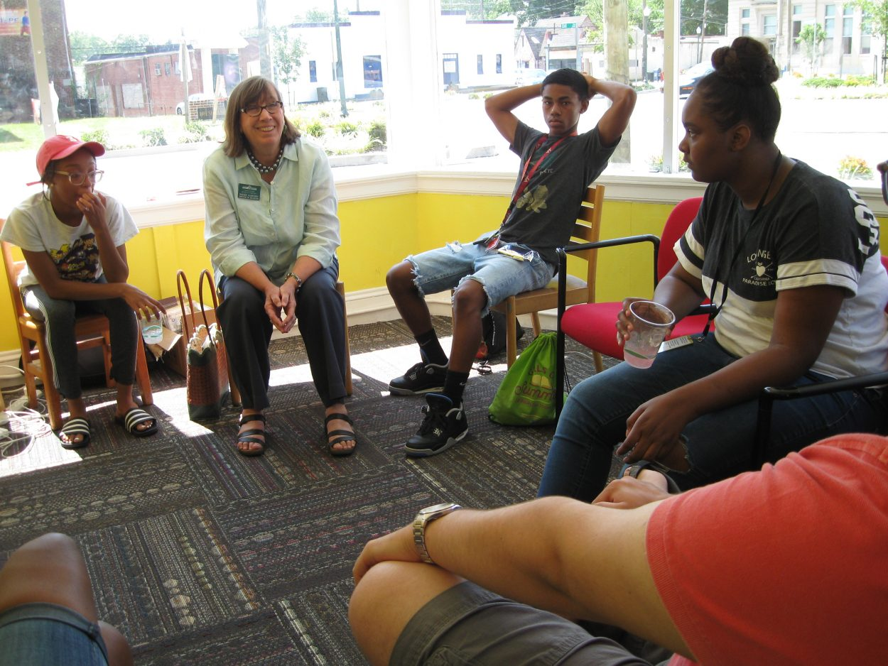 Lewis Ginter Botanical Garden Director of Education Randee Humphrey talked with students about food desert, sustainability, urban greening, and community-based approach to sustainable urban regeneration.
