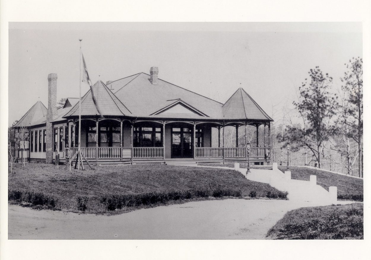 The Lakeside Wheel Club before a second story was added and it became Bloemendaal House.