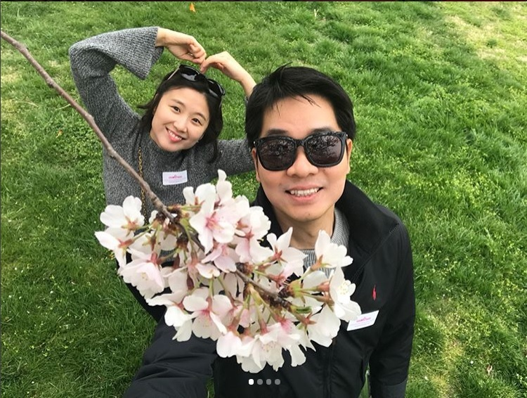 Couple with Cherry Blossoms. Image by pf.sophia on Instagram