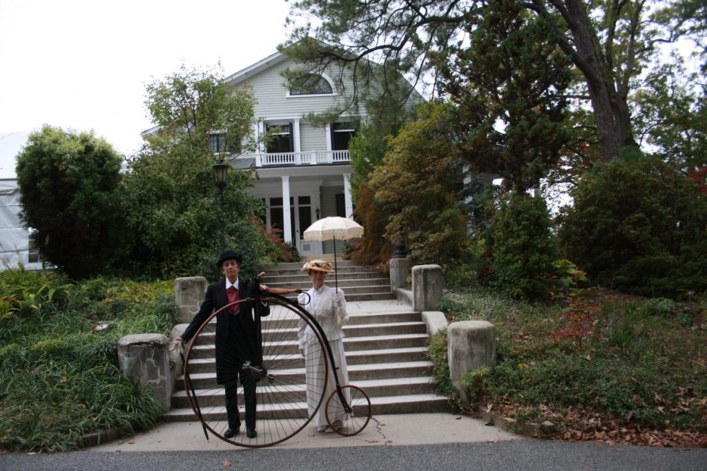 Fran Purdum and Sharon Francisco dressed up as Lewis Ginter and Grace Arents